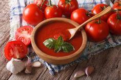 Srpen je období sklizně rajčat. A pokud se některý rok vydaří, rajčat se najednou může nahromadit až několik kilo.…