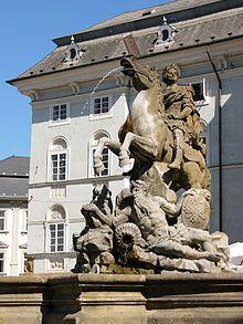 Caesarova kašna 1725 Lion Sculpture, Greek, Statue, Mansions, House Styles, Home Decor, Art, Art Background, Decoration Home
