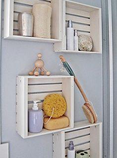 деревянные ящики как полки для хранения в ванной
