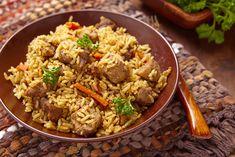 Préparation : 1. Découpez la viande en morceaux puis préparez le bouillon. 2.Dans un grand faitout, faites chauffer la pâte de curry pendant 1 minute. Ajoutez les morceaux de viande et faites-les g…