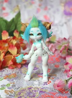 I painted a Carmalyne this week, it is the first painted Carmalyne ^^  Light Turquoise skined, handmade eyes and wig.