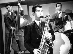 Tex Beneke and the Glenn Miller Band The Glenn, Glenn Miller, Jazz Musicians, Jazz Age, Types Of Music, Music Bands, Classic Hollywood, Great Artists, Just Love