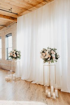 Wedding Backdrop Design, Wedding Ceremony Backdrop, Wedding Stage, Indoor Wedding Arches, Indoor Wedding Ceremonies, Bridal Shower Decorations, Ceremony Decorations, Diy Bedroom Decor For Teens, Wedding Top Table