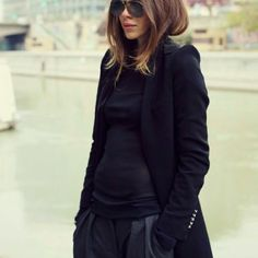 All black woollen knit winter outfit Winter Wonder, Outfit Winter, All Black, Jumper, Your Style, Winter Fashion, Turtle Neck, Style Inspiration, Wool