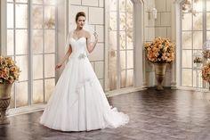 Eddy K Bouquet Bridal