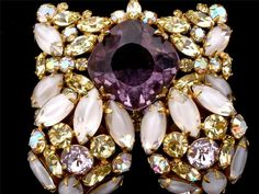 Hi End Signed Hobe Amethyst Peridot Rhinestone Prong Set Brooch Earrings Vintage | eBay