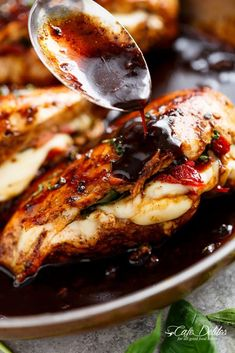 Caprese Stuffed Balsamic Chicken is a twist on Caprese, filled with both fresh AND Sun Dried Tomatoes for a flavour packed chicken! Tasty Dishes, Food Dishes, Main Dishes, Balsamic Chicken Recipes, Caprese Chicken, Cooking Recipes, Healthy Recipes, Quick Recipes, Dried Tomatoes