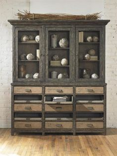 Farmhouse Cupboard - this is love at first sight!
