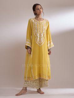 FARANI - Heena Kochhar Pakistani Dress Design, Pakistani Outfits, Latest Suit Design, Embroidery Suits, Embroidery Leaf, Embroidery Designs, Indian Dresses, Indian Suits, Indian Wear