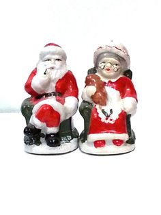Mr. and Mrs. Santa Cluas Salt and Pepper Shakers by DeAnnasAttic