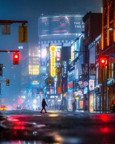 #streetsoftoronto: Vibrant Street Photography by Max Whitehead #photography #streetsoftoronto #streetphotography #Toronto #instagram