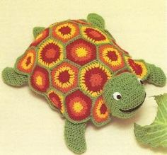 free crochet turtle pattern. Would make a nice floor cushion for the little ones in right size.