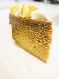 Honey & Orange Cake. No refined sugar only natural honey and topped with Greek yogurt and orange bits.