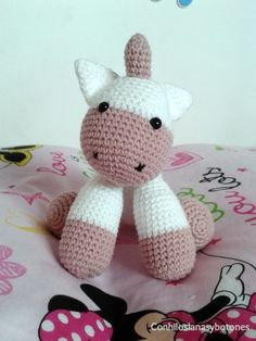 Bebé unicornio rosa