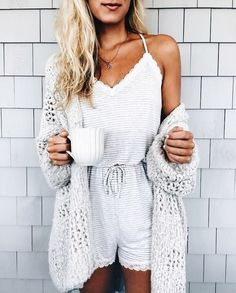 best winter dresses and romper to wear this season - Sommermode - Winter Style Lazy Day Outfits, Mode Outfits, Spring Outfits, Casual Outfits, Fashion Outfits, Fashion 2018, Winter Outfits, Comfy Winter Outfit, Simple Outfits