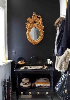 Dark Drama: Black and Gold | Apartment Therapy