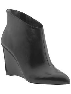 nine west pointy booties