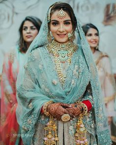 Indian Bridal Fashion, Indian Wedding Outfits, Indian Outfits, Bridal Bangles, Bridal Jewellery, Diamond Jewellery, Wedding Jewelry, Punjabi Bride, Punjabi Suits