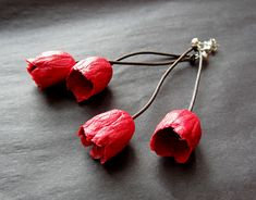BEGONA RENTERO: Earrings Holanda, Chili Red - paper