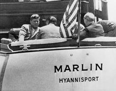 1961. 8 Juillet. Le Marlin. John F. Kennedy avec Dean Rusk, Robert McNamara et le Général Maxwell Taylor