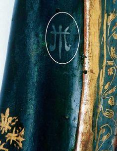 Ondare. Stamp (de mixtion d'or). Détail. Collage d'un timbre d'or non lié. San Marcos. La mixtion de formule simplifiée, devient un mélange d'huile (de lin) avec quelques pigments et sèche du vernis, de sorte que nous décrit C. Cennini dans son Traité de la Peinture . Sánchez-Mesa dans son travail sur la polychromie à Grenade décrit une autre composition très similaire, et une forme plus détaillée faite à Palomino .