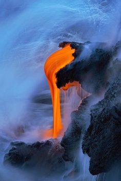 Lava pits to forge q carbon weapons Mother Earth, Mother Nature, Volcan Eruption, Lava Flow, Natural Phenomena, Fantasy Landscape, Nature Photos, Nature Nature, Natural Wonders