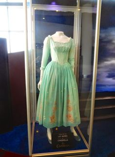 Hollywood Movie Costumes and Props: Lily James and Richard Madden's costume from Disney's Cinderella on display. Original film costumes and props on display Cinderella Live Action, Cinderella Movie, Cinderella 2015, Cinderella Dresses, Cinderella Cosplay, Lily James, Simple Dresses, Summer Dresses, Movie Costumes