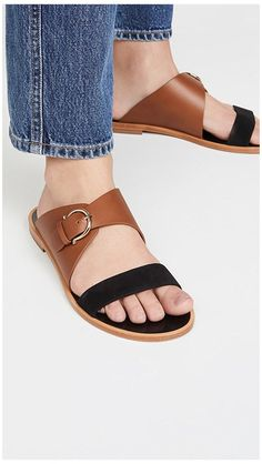 Leather Slippers For Men, Womens Slippers, Men Leather Sandals, Fashion Slippers, Fashion Sandals, Pretty Sandals, How To Make Shoes, Luxury Shoes, Leather Men