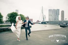 #wedding #bruiloft #Rotterdam #Erasmusbrug Creative wedding photography - creatieve bruidsfotografie- Leonie en Martijn - Studio Stiep