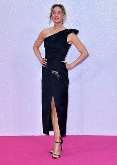#RenéeZellweger in #Schiaparelli #HauteCouture x l'anteprima  del film 'Bridget…