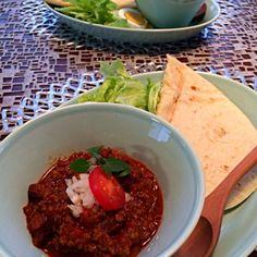 くららさんのブリトー生地でタコス❗️ ブリトーは何度も作らせていただいてますが、タコスを作ってみました パリパリタコスよりずうっと美味しい - 286件のもぐもぐ - くららさんの料理 お手軽簡単っ!ブリトー☆の生地でお豆の水煮を使ったお手軽チリコンカンタコス by AIMABLE