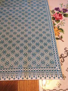 Cross Stitch Designs, Cross Stitch Patterns, Cross Stitch Embroidery, Pattern Design, Diy Crafts, Palestine, Rugs, Projects, Vintage