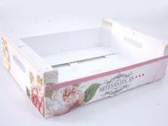 Caja de frutas decorada con multitécnica
