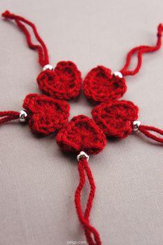 one minute crochet heart - free crochet pattern Quick Crochet, Basic Crochet Stitches, Free Crochet, Knit Crochet, Crochet Granny Square Afghan, Crochet Squares, Granny Squares, Easy Crochet Bookmarks, Knitting Patterns Free