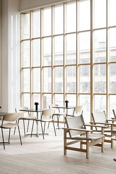 The Lynderup Chair by Børge Mogensen is an innovative design presented for the first time this spring. The overall apperance of Lynderup is light, both visuallly and physically, which makes it suitable for a variety of interiors. #fredericiafurniture #lynderupchair #børgemogensen #interiordesign #danishdesign #modernoriginals #craftedtolast Design Movements, Dezeen, Danish Design, Innovation Design, Chair Design, Timeless Design, Home Interior Design, Relax, Architecture