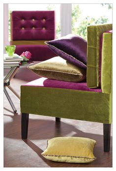 Liven up your living room with soft and bold colours at the same time! Boldly coloured cushions will accentuate a light shaded sofa and will add zest to your room.