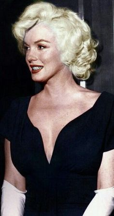 Marilyn Monroe - A George Vreeland Hill Pinterest post.