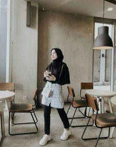New Fashion Style Modern Skirts Ideas Modern Hijab Fashion, Street Hijab Fashion, Hijab Fashion Inspiration, Muslim Fashion, Korean Fashion, Fashion Outfits, Modest Fashion, Casual Hijab Outfit, Ootd Hijab