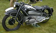 2-wheeled art at Pebble Concours