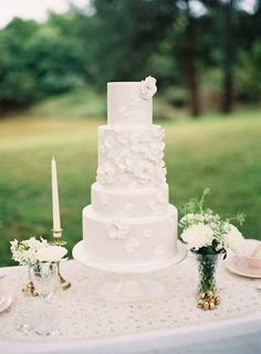 20 White-on-White Wedding Cakes | SouthBound Bride Credit: Lea Kua/Yummy Cupcakes & Cakes