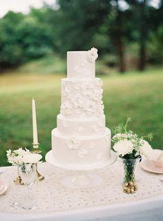 20 White-on-White Wedding Cakes   SouthBound Bride Credit: Lea Kua/Yummy Cupcakes & Cakes