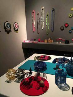 Sieraad 2014 - walk display & colourful jewellery on colourful display