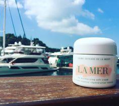 10 cult beauty products that celebs, models and beauty editors swear by.  Crème de la Mer Moisturizing Cream.