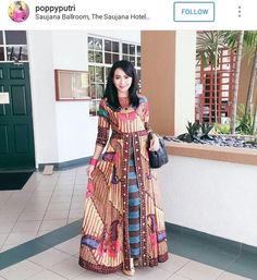 Cantik Batik Fashion, Ethnic Fashion, Hijab Fashion, African Fashion, Fashion Dresses, Womens Fashion, Batik Blazer, Blouse Batik, Batik Dress
