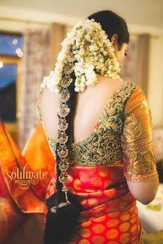 "Photo from Soulmate Weddings ""Meghana weds Nishanth"" album South Indian Wedding Hairstyles, Bridal Hairstyle Indian Wedding, Bridal Hair Buns, Bridal Hairdo, Indian Bridal Fashion, Indian Hairstyles, Bride Hairstyles, Hairdos, Hairstyle Ideas"