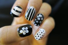#ishanailart #blackwhitenails #naildesign