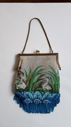 With old beads knitted purse. Knitted by Tineke Nieuwenhuijse-Taal Vintage Purses, Vintage Bags, Vintage Handbags, Beaded Purses, Beaded Bags, Novelty Handbags, Needlepoint, Straw Bag, Purses And Bags