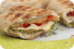 Panini chicken, pesto, red pepper and cheese Pesto, Fajitas, Red Peppers, High Tea, Salmon Burgers, Hamburger, Sandwiches, Food And Drink, Cooking Recipes