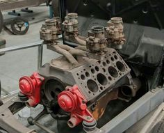 Interesting Flathead Intake setup. Way too much carb for a non supercharged flaty, but still pretty cool looking!!