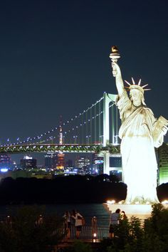 Statue of Liberty: My first big trip when I was a teenager with my DECA Class! #ExpediaThePlanetD